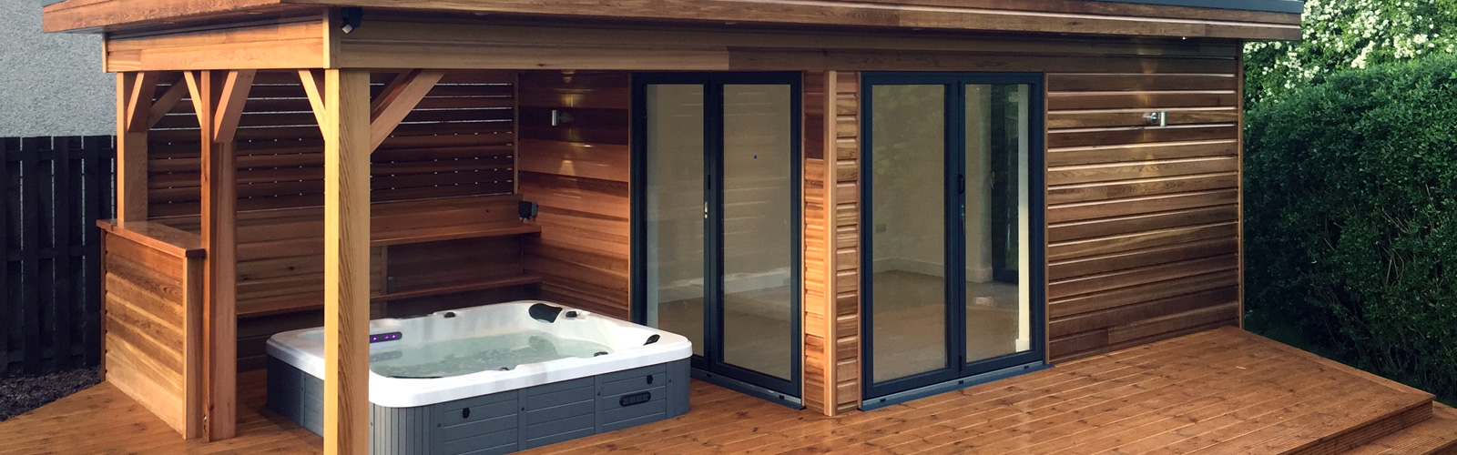 Full Timber Garden Rooms and Summer Houses with Highland Timber Construction